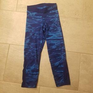 Nike pro dri fit cropped leggings in size XS